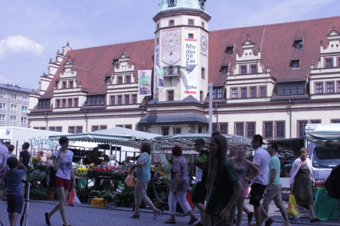 The market in front of the Old Town Hall